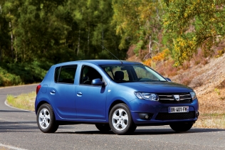 Stylistically closer to the Logan than before, the Sandero dares to stand out