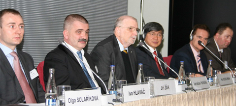 CNG/LNG for transport - a Prague perspective