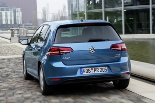 Volkswagen Golf TGI BlueMotion - rear view
