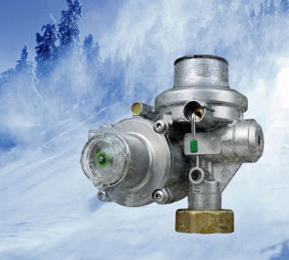 Arctic natural gas pressure regulator