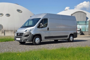 Fiat Ducato - side view