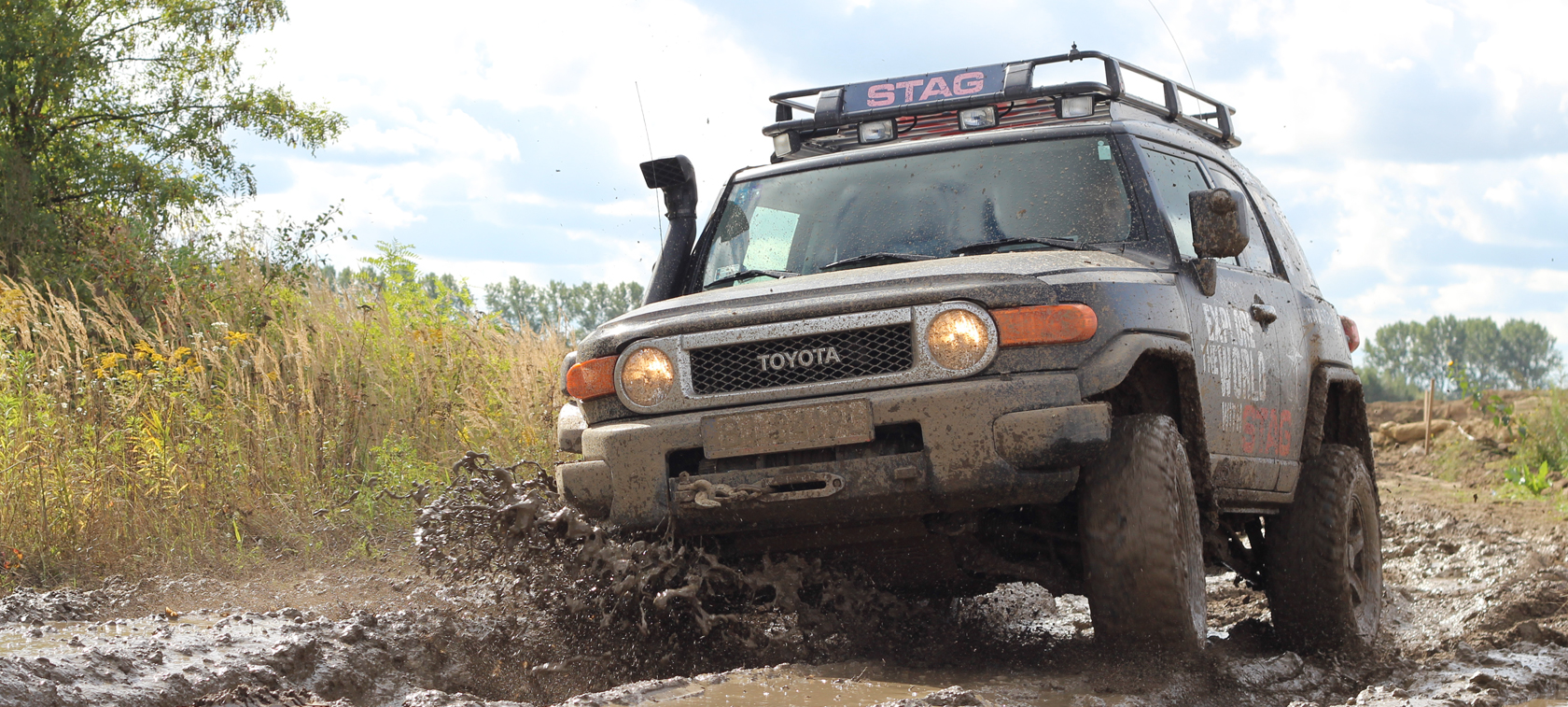 Toyota FJ Cruiser LPG by STAG - gas in the mud