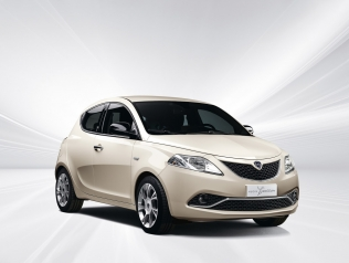 Lancia Ypsilon MY 2016