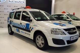 Lada Largus CNG in taxi livery