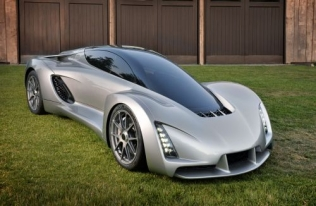 Divergent Blade - the 3D-printed CNG-powered supercar