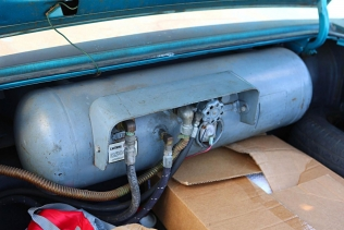 Ford Galaxie 500 XL LPG - the autogas tank